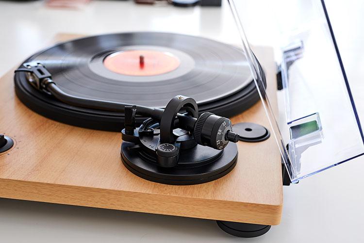 Tourne-disques professionnel TT450BT THOMSON - Visuel#2tutu#4tutu#5