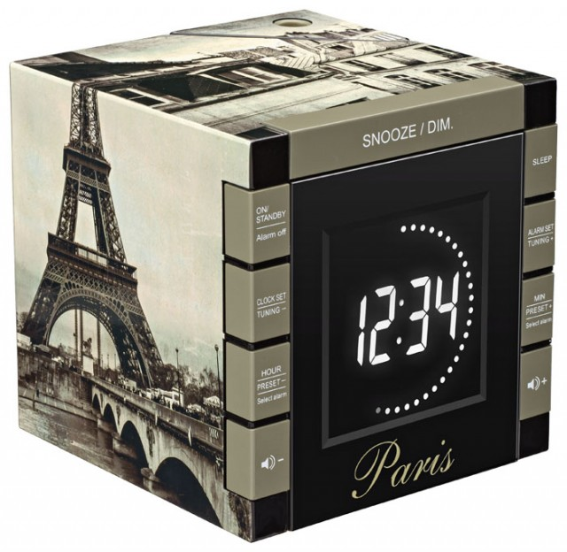"Radio Alarm Clock Projector ""Paris"" - Packshot"